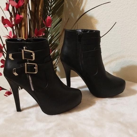 JustFab Shoes - 👠NWOB👠 JustFab High Heel Ankel Boots / Shoes 👠